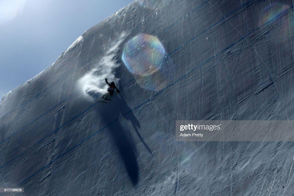 Snowboard - Winter Olympics Day 3 : Nachrichtenfoto
