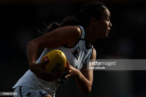 Brooke Walker of the Blues in action during the round 9 AFLW match between the GWS Giants and the Carlton Blues at Blacktown International Sportspark...