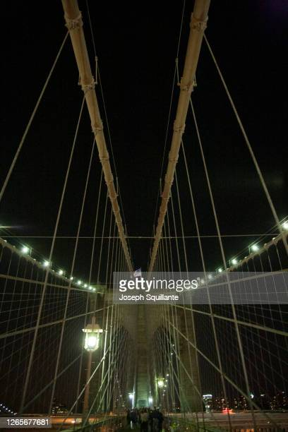 brooklyn bridge arches at night - joseph squillante stock pictures, royalty-free photos & images