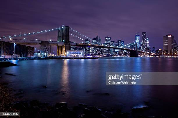 brooklyn bridge at night - christine wehrmeier stock photos and pictures