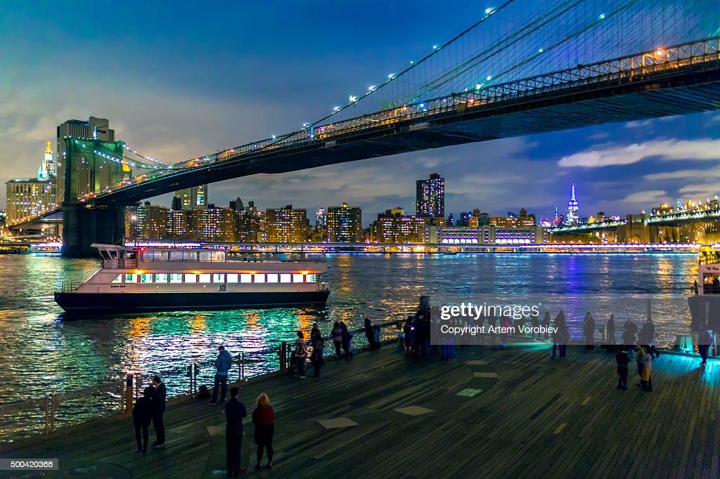 Brooklyn Bridge at night : Stock Photo