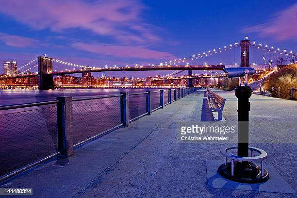 brooklyn bridge at sunset - christine wehrmeier stock pictures, royalty-free photos & images