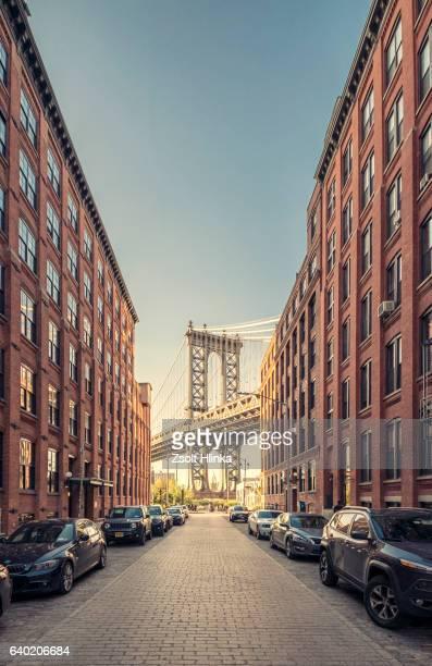 brooklyn bridge in new york - brooklyn new york stock-fotos und bilder