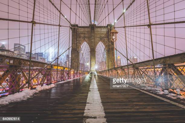 brooklyn bridge in winter - brooklyn bridge stock pictures, royalty-free photos & images