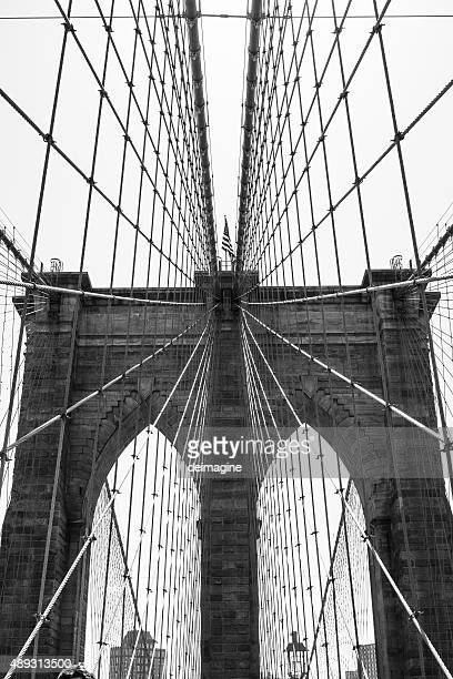 brooklyn bridge, new york city - vertical stock pictures, royalty-free photos & images