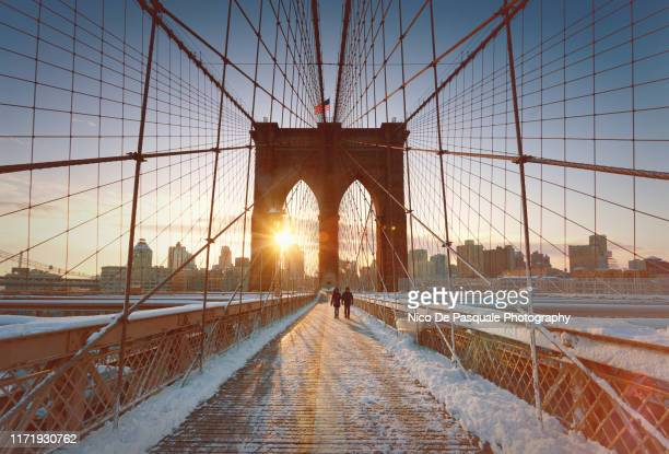 brooklyn bridge - manhattan new york city stock pictures, royalty-free photos & images