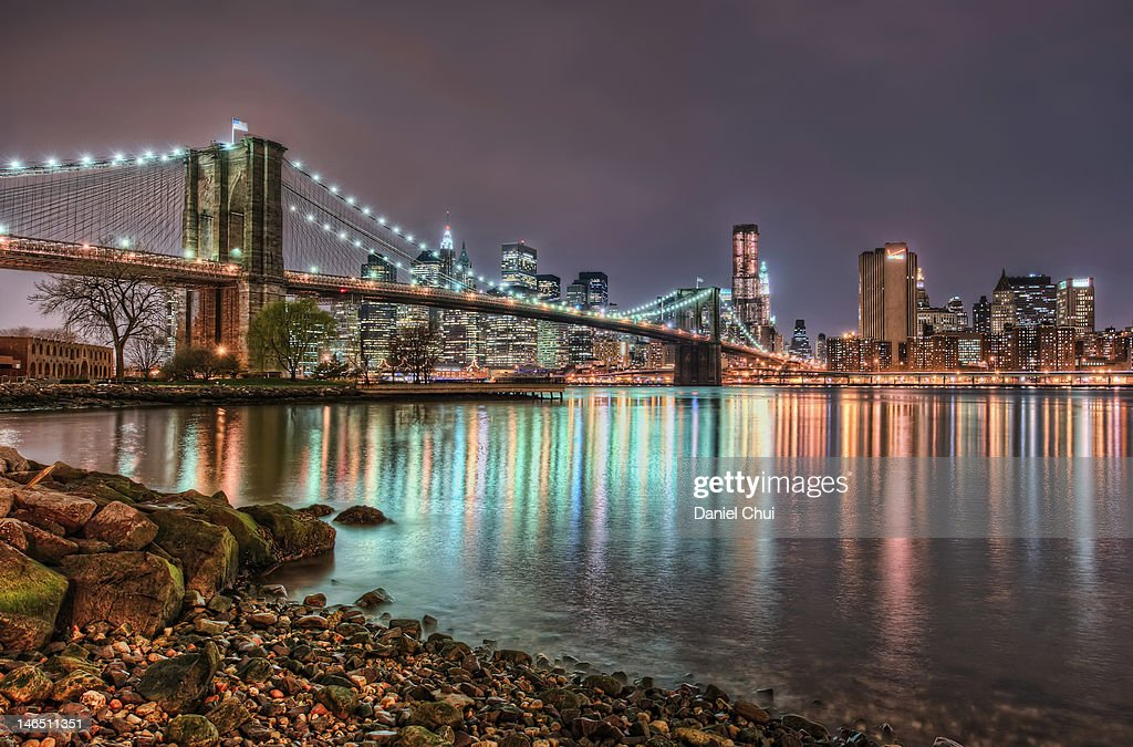 Brooklyn bridge reflections : Stock Photo
