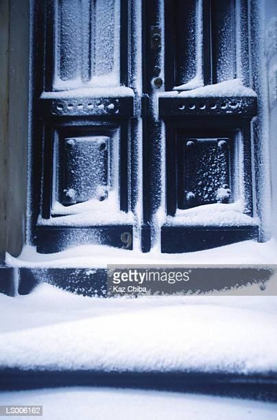 Brooklyn Heights - Snowy doorway