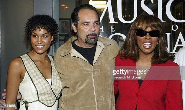 Brooklyn Sudano Bruce Sudano and artist/recording artist Donna Summer attend the opening of Donna Summer's Art Rock exhibit at the Entertainment...