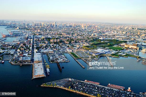 brooklyn waterfront from above - barclays center brooklyn stock photos and pictures