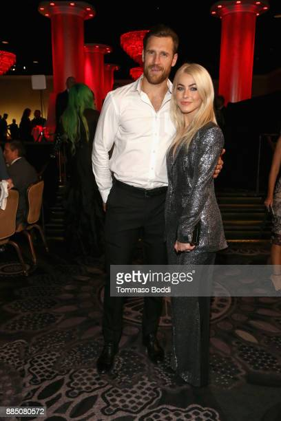 Brooks Laich and Julianne Hough attend The Trevor Project's 2017 TrevorLIVE LA Gala at The Beverly Hilton Hotel on December 3 2017 in Beverly Hills...