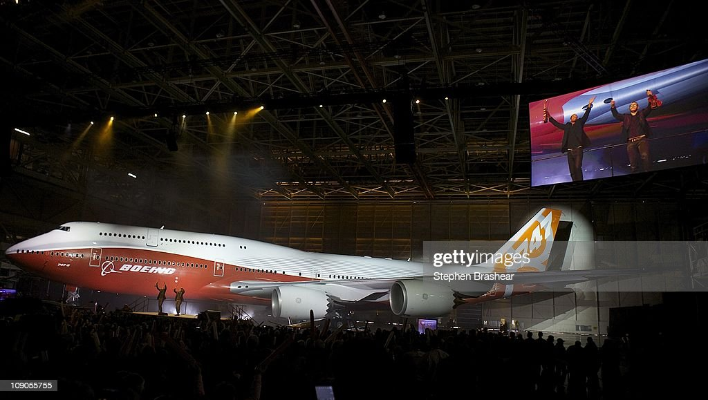 Boeing Debuts New 747-8 Intercontinental : News Photo