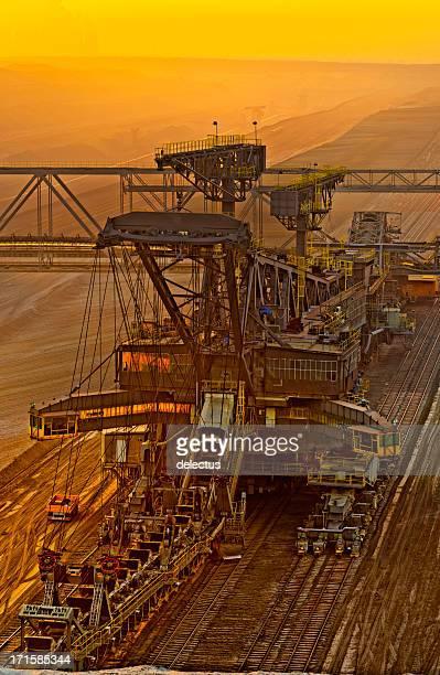Brown Kohle opencast Bergbau in der Dämmerung