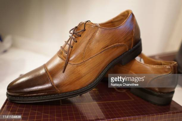 brown leather shoes  oxfords  style - レザー・シューズ ストックフォトと画像