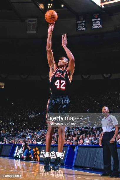 J Brown of the Miami Heat shoots the ball against the New York Knicks on February 7 1999 at the Madison Square Garden in New York New York NOTE TO...