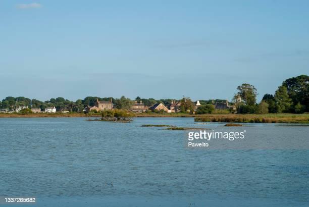brownsea island lagoon - プール湾 ストックフォトと画像
