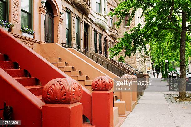 brownstone, nyc. - terraced_house stock pictures, royalty-free photos & images