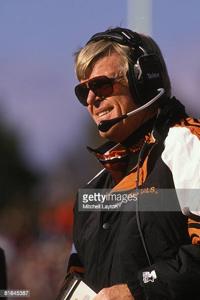 Bruce Coslett head coach of the Cincinnati Bengals during a NFL football game against the Cleveland Browns on November 1 1996 at Browns Stadium in...