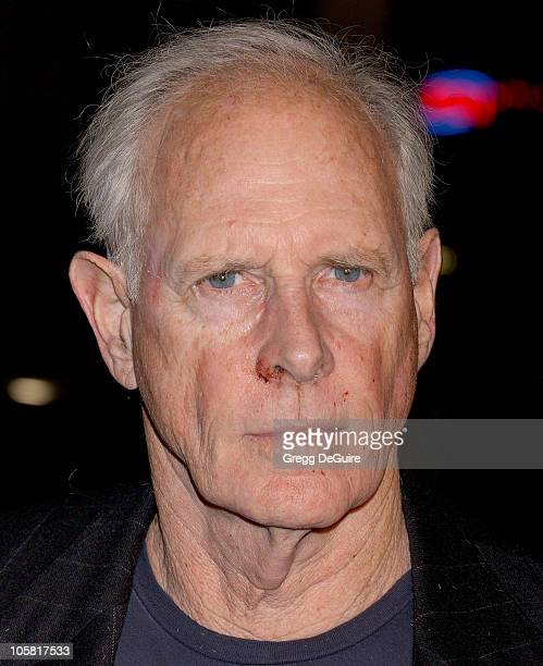 Bruce Dern during Big Love Los Angeles Premiere Arrivals at Grauman's Chinese Theatre in Hollywood California United States