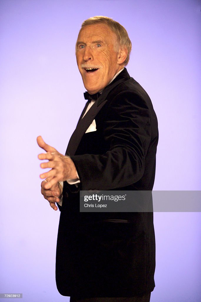 Bruce Forsyth shooting a TV advert for the Strictly Come Dancing compilation album. 19/10/04.