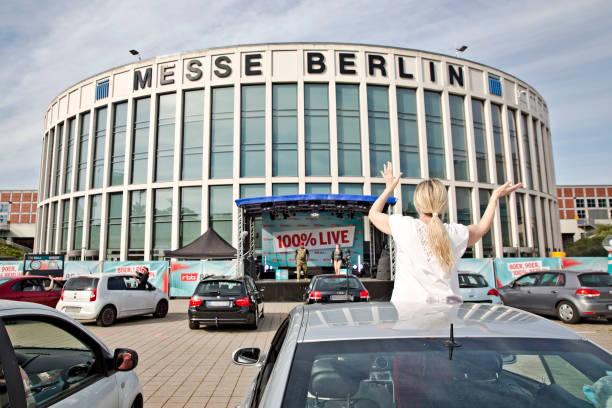 DEU: 90er Drive-In-Concert In Berlin