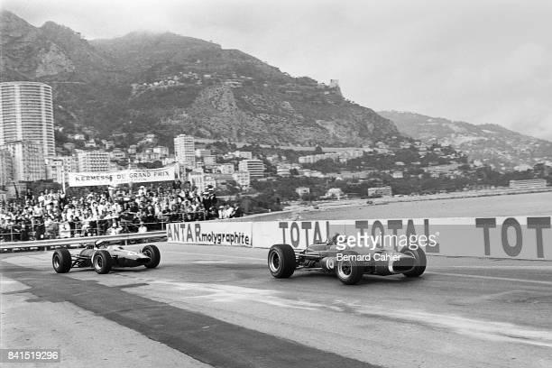 Bruce McLaren Jim Clark McLarenBRM M4B LotusClimax 33 Grand Prix of Monaco Monaco 07 May 1967
