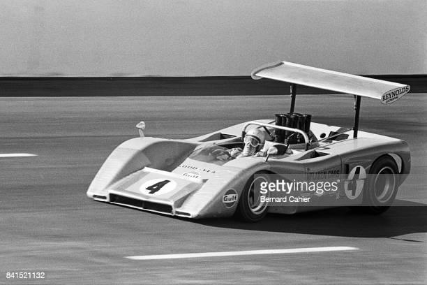 Bruce McLaren, McLaren-Chevrolet M8B, Texas International Can-Am Round, Texas World Speedway, College Station, Texas, 09 November 1969.