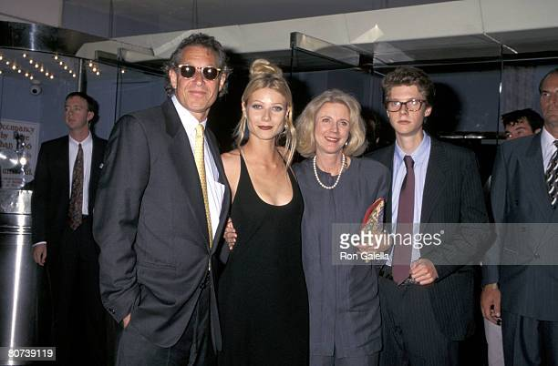 Bruce Paltrow Gwyneth Paltrow Blythe Danner and Jake Paltrow