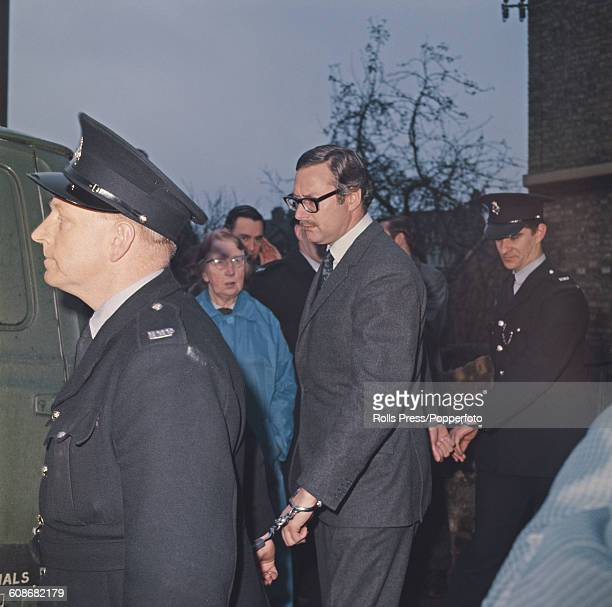 Bruce Reynolds Mastermind Of The 1963 Great Train Robbery Secured With Handcuffs To Two Prison Officers