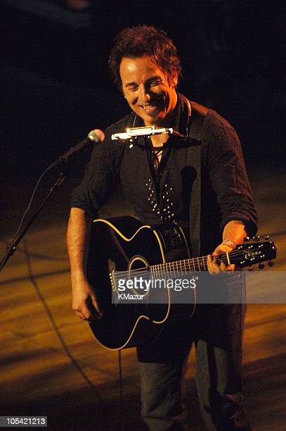 Bruce Springsteen acoustic performance taping of 'VH1 Storytellers' to air on VH1 April 23 2005 at 1000 PM EST