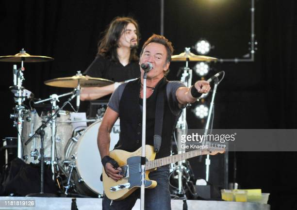 Bruce Springsteen and The E-Street Band, Bruce Springsteen, Jay Weinberg, Pinkpop Festival, Landgraaf, Netherlands, 30th May 2009.