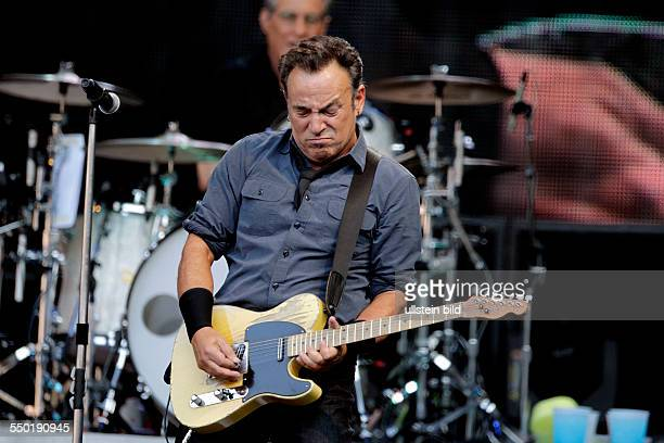 Bruce Springsteen and The EStreetBand 'Wrecking Ball'Tour Bruce Frederick Joseph Springsteen The EStreetBand besteht aus Garry W Tallent Max Weinberg...