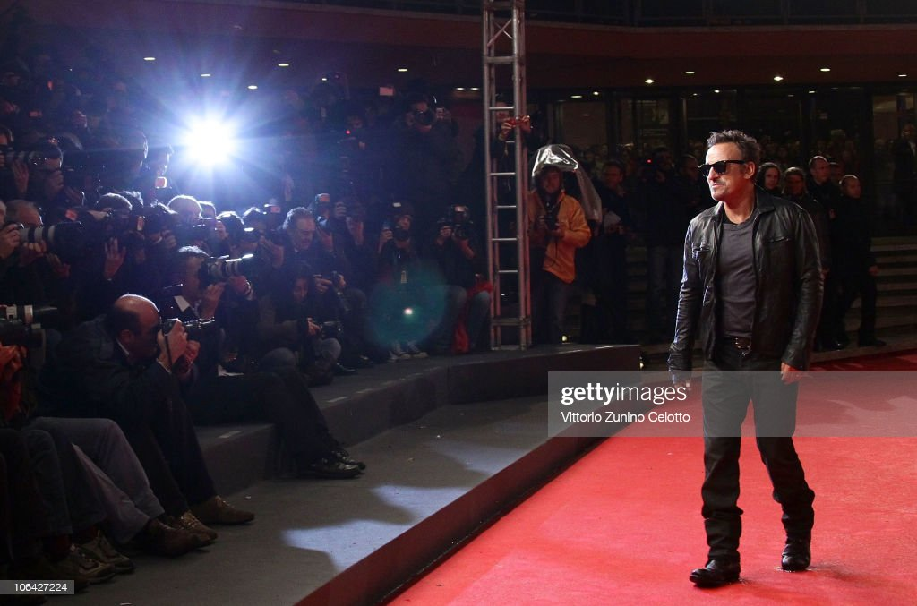 bruce-springsteen-attends-the-the-promise-the-makin-of-darkness-on-picture-id106427224