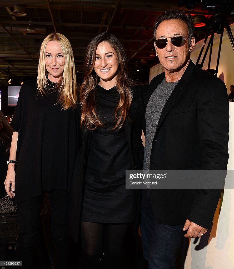 Bruce Springsteen, Jessica Springsteen and Frida Giannini attend day 4 of the Gucci Paris Masters 2013 at Paris Nord Villepinte on December 8, 2013 in Paris, France.