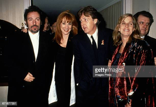 Bruce Springsteen Patti Scialfa Paul McCartney and Linda McCartney attend the 1994 Rock and Roll Hall of Fame Induction Ceremony circa 1994 in New...
