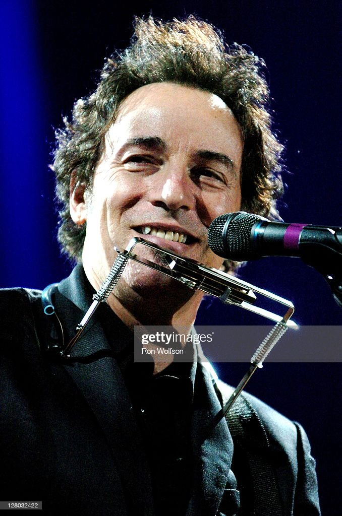 Bruce Springsteen performs at the MusiCares Person Of The Year dinner/show on February 6, 2006 in Los Angeles, California.