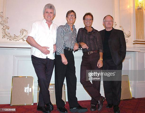 Bruce Welch: Cliff Richard, Brian Bennett Stock Photos And Pictures