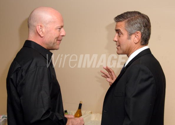 ¿Cuánto mide Bruce Willis? - Altura - Real height Bruce-willis-and-george-clooney-picture-id79835868?s=594x594&w=125