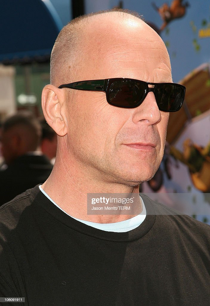 """Dreamworks' """"Over The Hedge"""" Los Angeles Premiere - Arrivals : News Photo"""