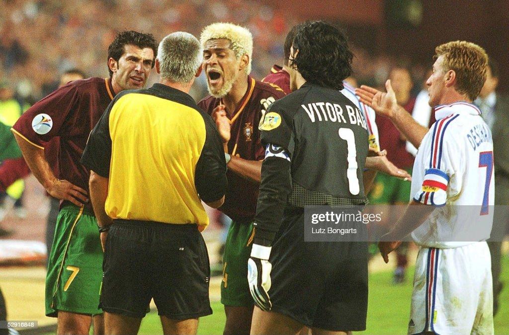 EM EURO 2000 FRA - POR 2:1 : News Photo