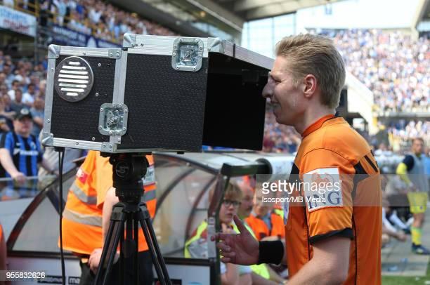 20180506 Bruges Belgium / Club Brugge v Rsc Anderlecht / 'nLawrence VISSER Video assistant referee VAR'nFootball Jupiler Pro League 2017 2018 PlayOff...