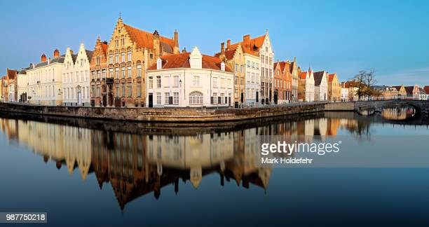 bruges canal at sunrise - northern europe stock pictures, royalty-free photos & images