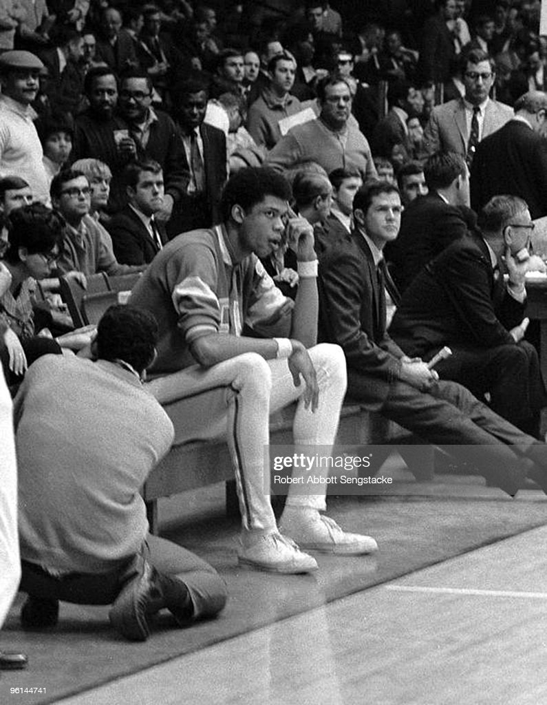 Wooden And Alcindor On The Bench : News Photo