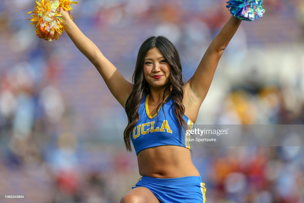 COLLEGE FOOTBALL: NOV 17 USC at UCLA : News Photo