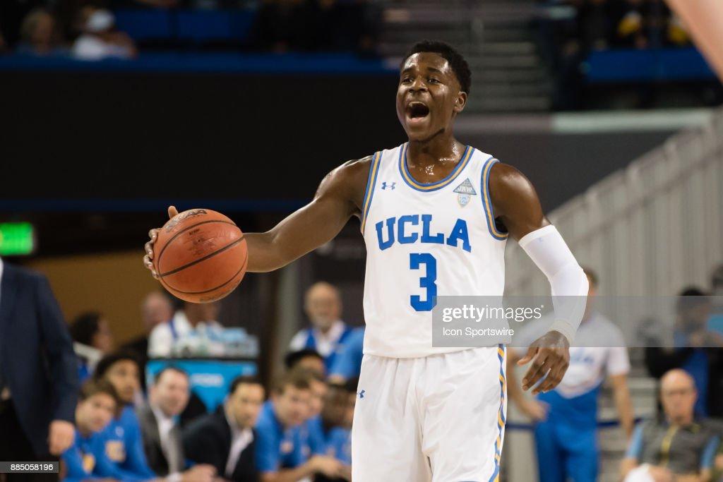 COLLEGE BASKETBALL: DEC 03 Detroit at UCLA : News Photo