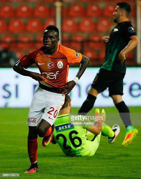 Bruma of Galatasaray celebrates a score during the Turkish Spor Toto Super Lig football match between Akhisar Belediyespor and Galatasaray at the 19...