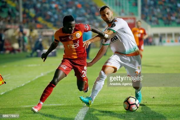 Bruma of Galatasaray vies for the ball during the Turkish Spor Toto Super Lig match between Aytemiz Alanyaspor and Galatasaray at Bahcesehir Okullari...
