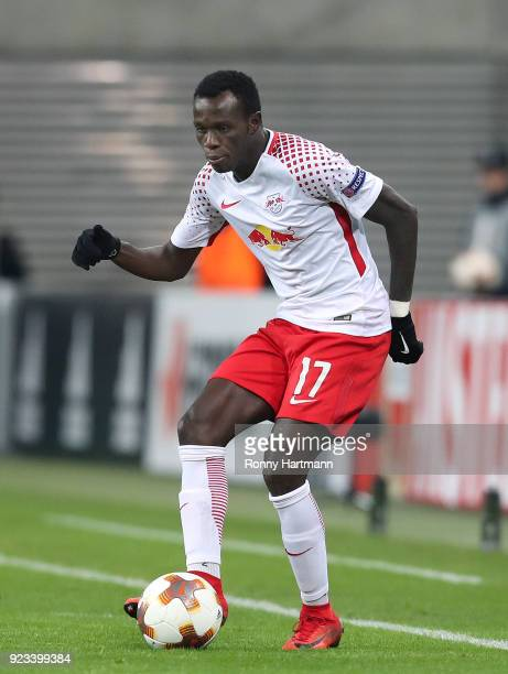 Bruma of Leipzig runs with the ball during the UEFA Europa League Round of 32 match between RB Leipzig and Napoli at the Red Bull Arena on February...