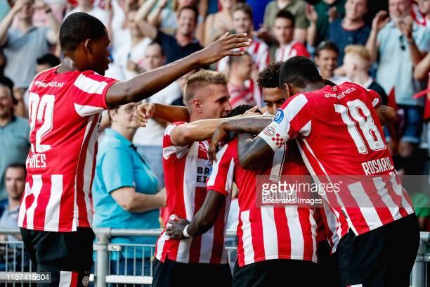 Bruma of PSV celebrates 1-0 with Denzel Dumfries of PSV, Michal Sadilek of PSV, Donyell Malen of PSV, Pablo Rosario of PSV during the UEFA Champions...