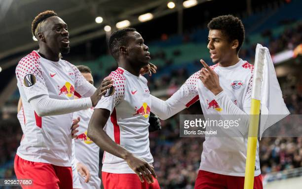 Bruma of RB Leipzig celebrates with team mates after scoring his team's first goal during UEFA Europa League Round of 16 match between RB Leipzig and...